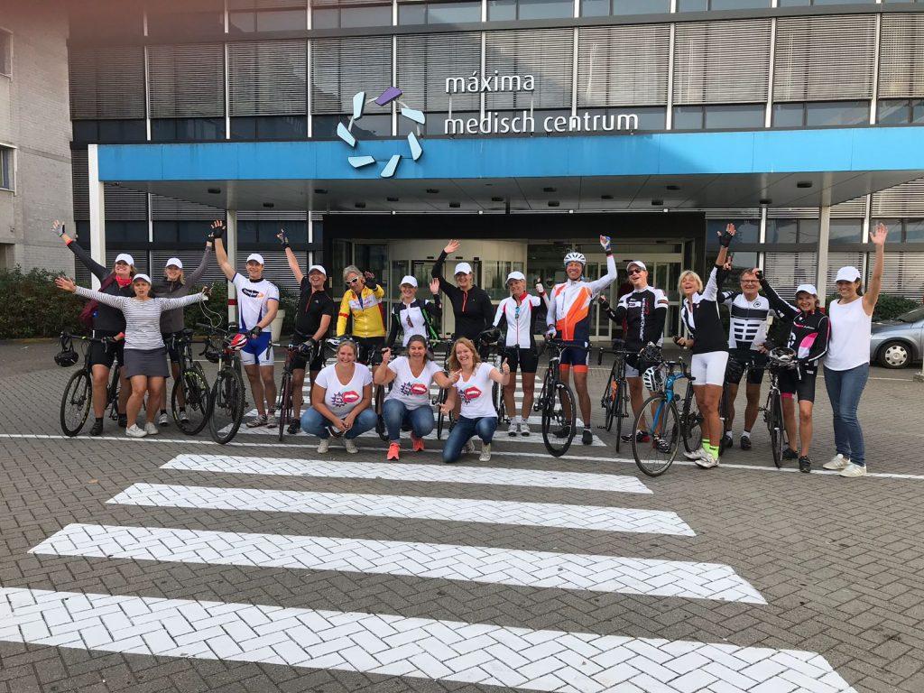 Onze artsen fietsen voor GirlsTalk.Period!