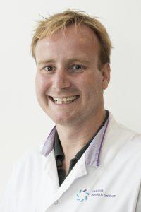 Nieuwenhuizen, dhr. dr. L.
