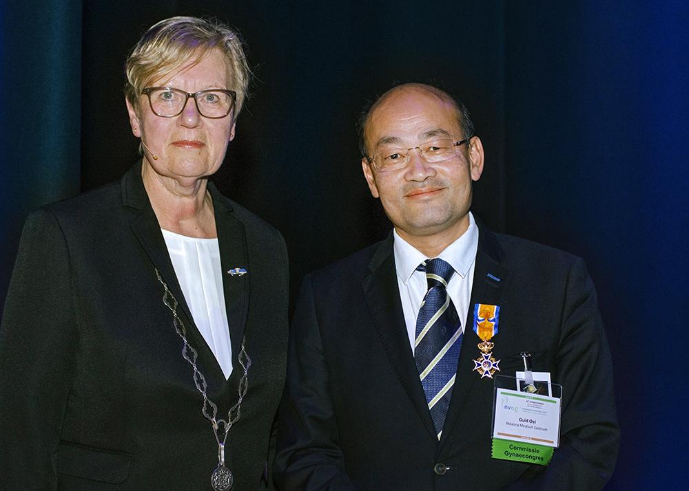 Dr. Oei benoemd tot Officier in de Orde van Oranje Nassau